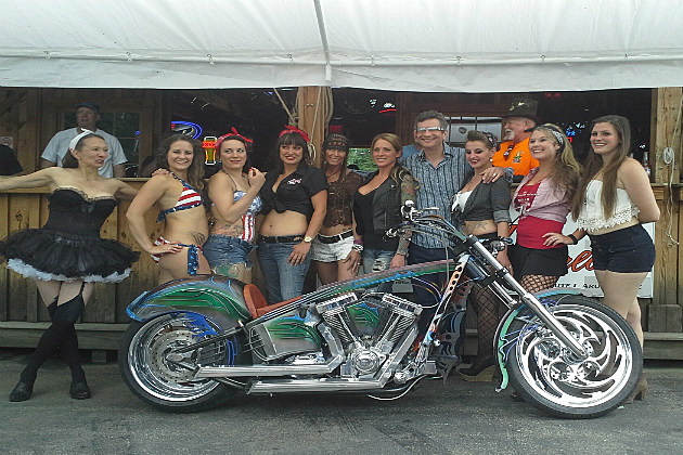 Bentleys Pin Up Contestants