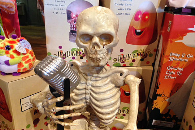 singing skeleton